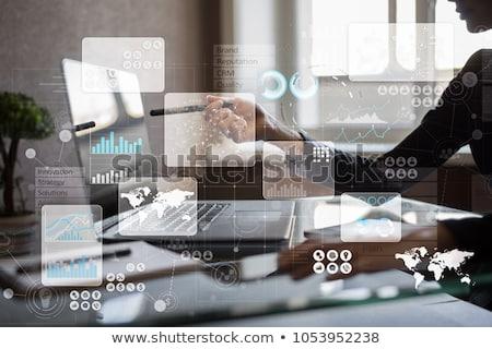 Outsourcing business groene pijl leuze grijs Stockfoto © tashatuvango