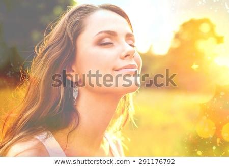 Najaar lifestyle vrouw gelukkig gezonde glimlachende vrouw Stockfoto © Kor