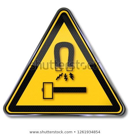 Stok fotoğraf: Kalkan · çekiç · araç · mıknatıslar · imzalamak