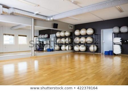 Ioga exercer ginásio espelho Foto stock © lunamarina