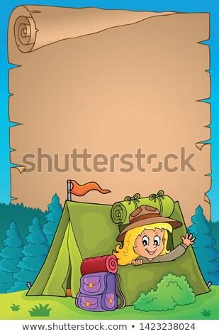 Pergamino explorar nina tienda papel feliz Foto stock © clairev