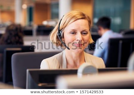 Сток-фото: женщину · телефон · гарнитура · служба · бизнеса