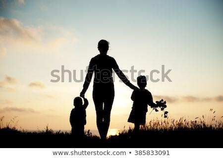 madre · ninos · hierba · agua · cielo · bebé - foto stock © Paha_L