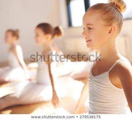 Sonriendo encajar jóvenes rubio nina verde Foto stock © lithian