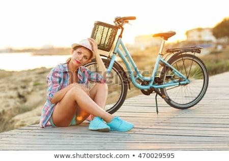 Gondtalan csinos nő bicikli ül fából készült út Stock fotó © vlad_star