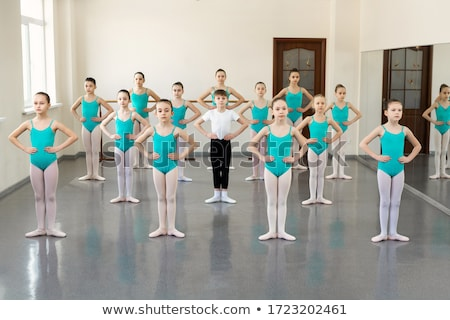 Vrouwelijke balletdanser mooie jonge klassiek schoenen Stockfoto © handmademedia