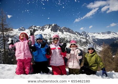 Gyerekek térdel dob hó gyermek hegy Stock fotó © IS2