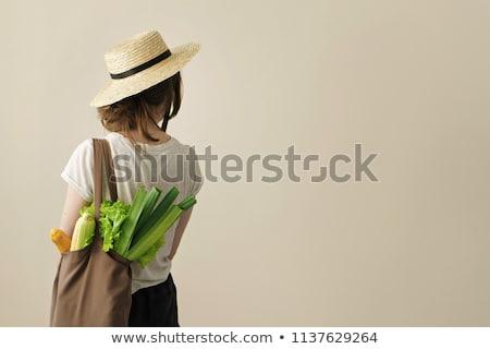 Genç kadın sebze atık gıda genç Stok fotoğraf © IS2