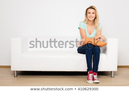 sedutor · mulher · longo · cabelos · cacheados · posando - foto stock © carlodapino