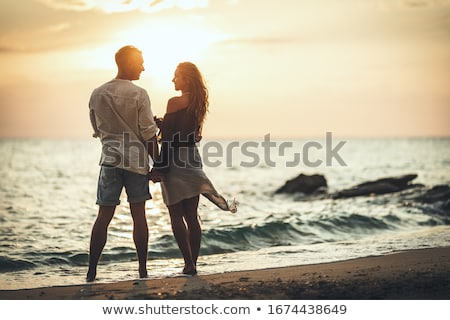 Foto stock: Praia · casal · amor · caminhada · feliz · água