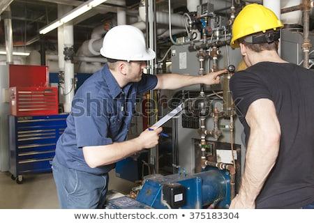 ingenieur · verwarming · pijpen · water · werken · energie - stockfoto © lopolo
