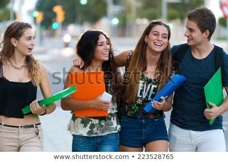 Freunde sprechen Straße Klasse Gruppe Frau Stock foto © nenetus