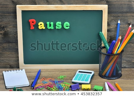 Iskola tábla szó pihen fa asztal iroda Stock fotó © fuzzbones0