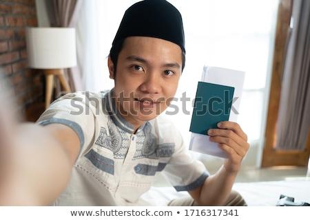мусульманских человека путешественник паспорта билета Сток-фото © RAStudio