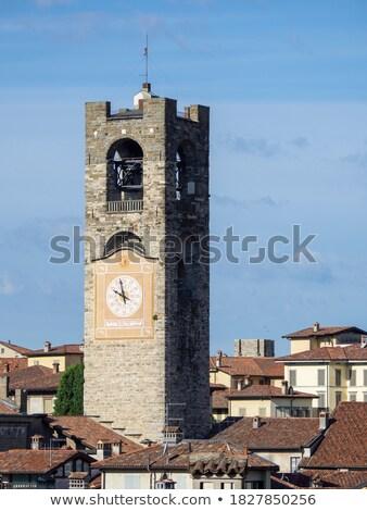 Gebouw klok baksteen Europa toren Stockfoto © boggy