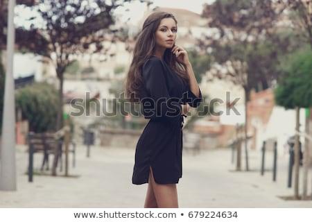 привлекательный · молодые · брюнетка · женщину · сидят · полу - Сток-фото © zastavkin