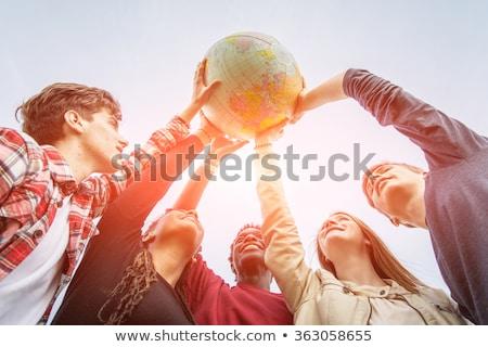 glimlachend · zakenman · wereldbol · kantoor · computer - stockfoto © photography33