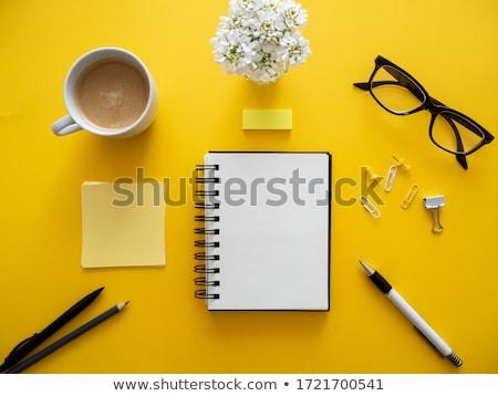 żółty · papieru · czytania · farbują · odizolowany · biały - zdjęcia stock © oly5