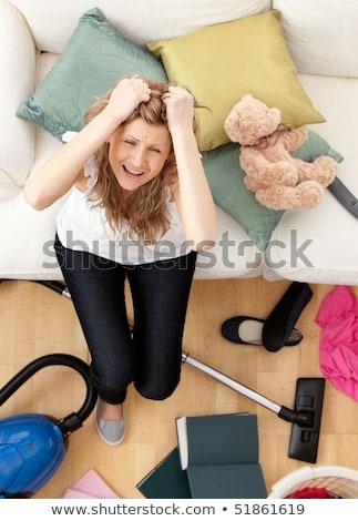 fiatal · nő · házimunka · takarítás · konyha · nő · lány - stock fotó © wavebreak_media