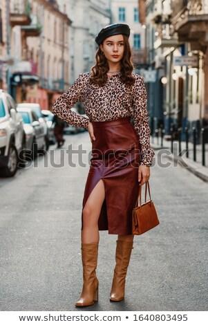 Vrouw modieus bruin laarzen handtas Stockfoto © phbcz