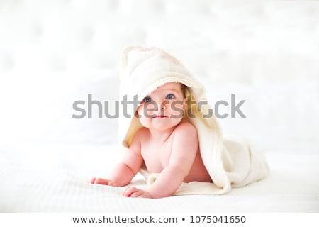 ребенка · полотенце · улыбка · лице · глазах · Hat - Сток-фото © Paha_L
