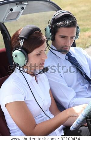 Mulher vôo plano abrir cabine do piloto negócio Foto stock © photography33