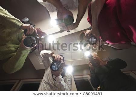Fotograf miejsce zbrodni martwych kobieta piętrze Zdjęcia stock © stokkete