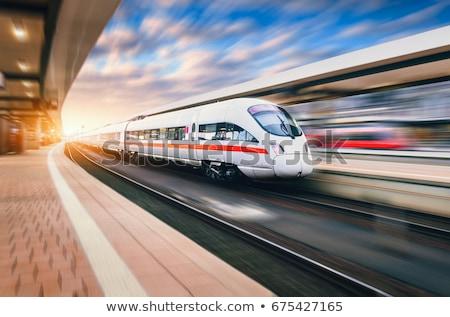 Train vitesse déplacement mouvement floue Photo stock © ndjohnston