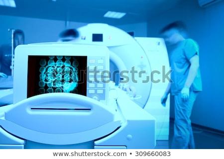 mri · cráneo · foto · médicos · película · tecnología - foto stock © nneirda
