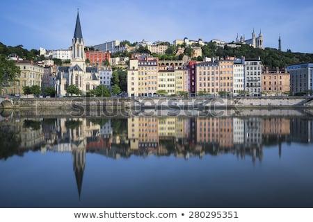 Vista rojo puente peatonal Lyon río azul Foto stock © meinzahn