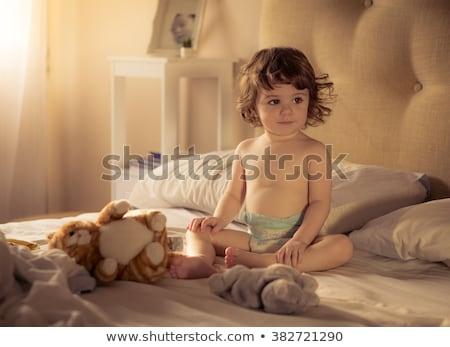 Foto stock: Little · girl · fralda · nu · branco · bebê · cara
