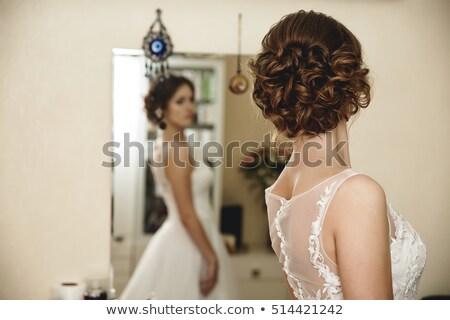 Portret młodych piękna oblubienicy lustra Zdjęcia stock © artfotodima