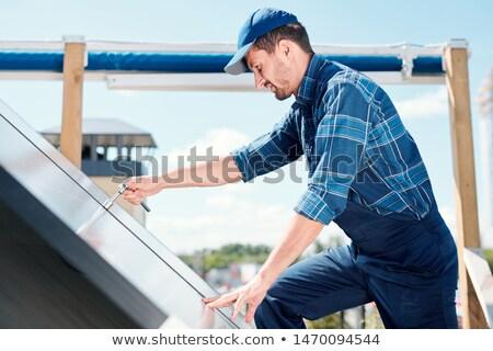 Jonge tijdgenoot technicus klantenservice behandelen Stockfoto © pressmaster
