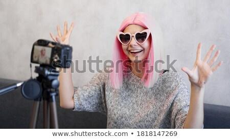 Photo stock: Beauté · jeune · fille · coiffure · caméra · portrait