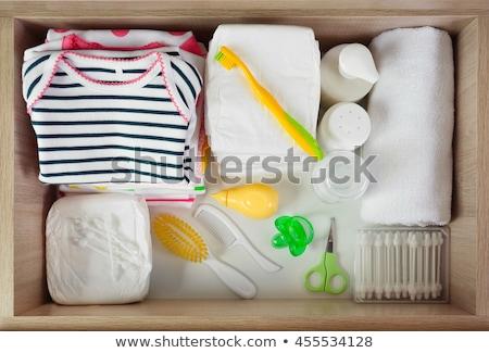 Geel borstel oranje veer badkamer bad Stockfoto © JohnKasawa