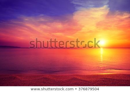 vermelho · rochas · montanha · reflexão · para · cima · manhã - foto stock © fogen
