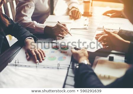 Grupo trabalhando pessoas de negócios startup trabalho em equipe Foto stock © snowing