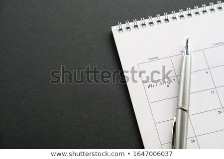 calendário · prata · caneta · preto · secretária · café - foto stock © berczy04