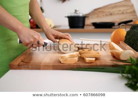 brunette · plakje · brood · vrouw · voedsel · hand - stockfoto © photography33