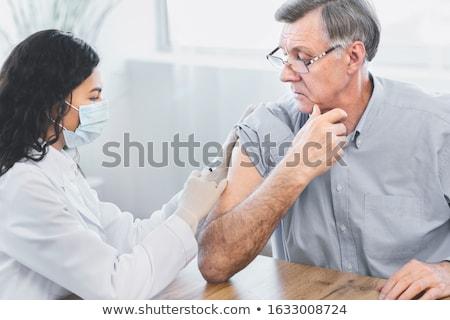 Krank reifer Mann Fieber horizontal Foto halten Stock foto © tab62