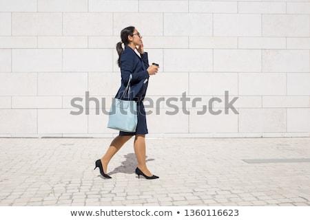 女性 · ボディ · 徒歩 · スーツケース · 孤立した · 少女 - ストックフォト © fuzzbones0