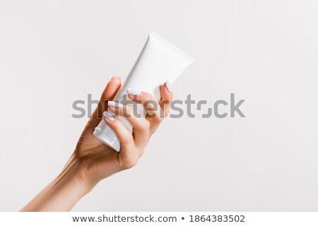 vrouw · handdoek · haardroger · bed · glimlachende · vrouw - stockfoto © deandrobot