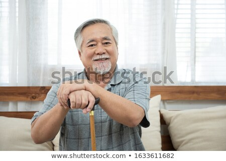 Homem muleta mão madeira Foto stock © IS2