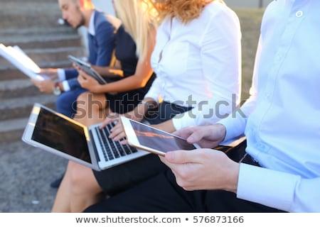 Contemporain Homme gestionnaire smartphone portable Photo stock © pressmaster