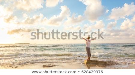 Blond schoonheid ontspannen outdoor mooie jonge vrouw Stockfoto © NeonShot