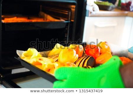 Shot peper aubergine dienblad man Stockfoto © dashapetrenko
