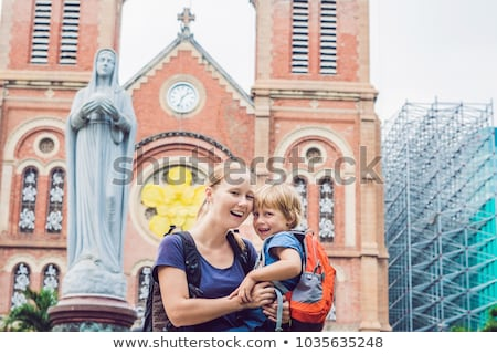 Mamãe filho catedral construir cidade Foto stock © galitskaya