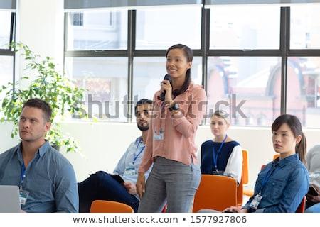 Elöl kilátás félvér üzletasszony hallgat kérdez Stock fotó © wavebreak_media