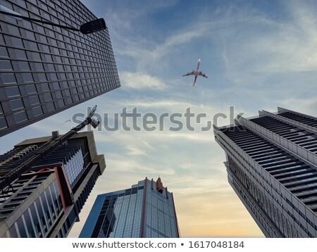 Shot moderne architectuur hemel glas financieren Stockfoto © digoarpi