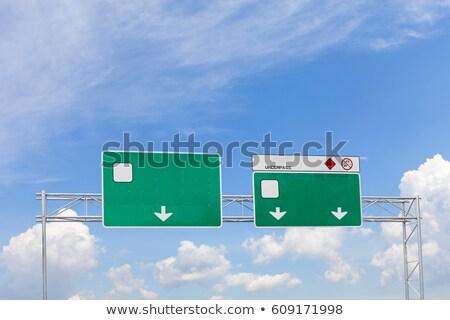 зеленый · дорожный · знак · копия · пространства · текста · назначение · облачный - Сток-фото © hd_premium_shots